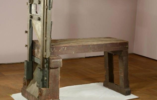 6a-nazi-guillotine