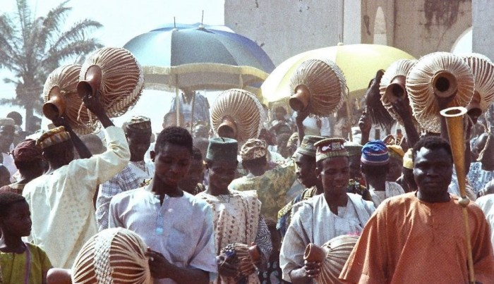 Procession of Alaafin of Oyo prior to celebrations hosted by Oyo chief, Ashamu Dec 27, 1978 © HRH Alaafin of Oy