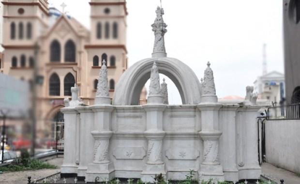 Taiwo Olowo monument