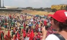 Diez mil ocupan Explanada en defensa de derechos y contra ataques a los trabajadores