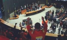 Cámara de Diputados aprueba proyecto que entregará el presal a las multinacionales