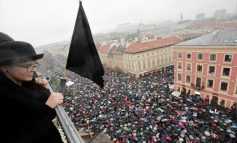 Polônia: Massiva mobilização em Varsóvia contra o veto à lei do aborto