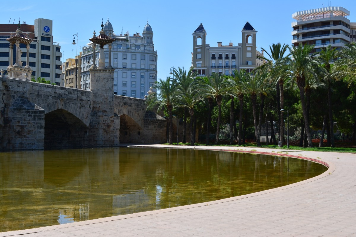 CoverMore_Lisa_Owen_Spain_Valencia_Turia_Park.JPG