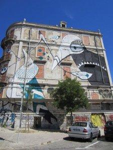 street art lisbon 41