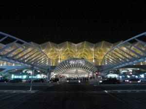 lisbon oriente santiago calatrava train station