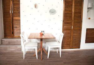 beca's kitchen interior1
