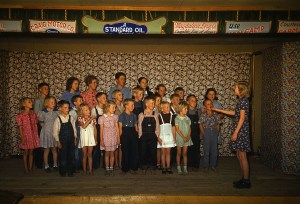 School_children_singing._Pie_Town,_New_Mexico,_October_1940