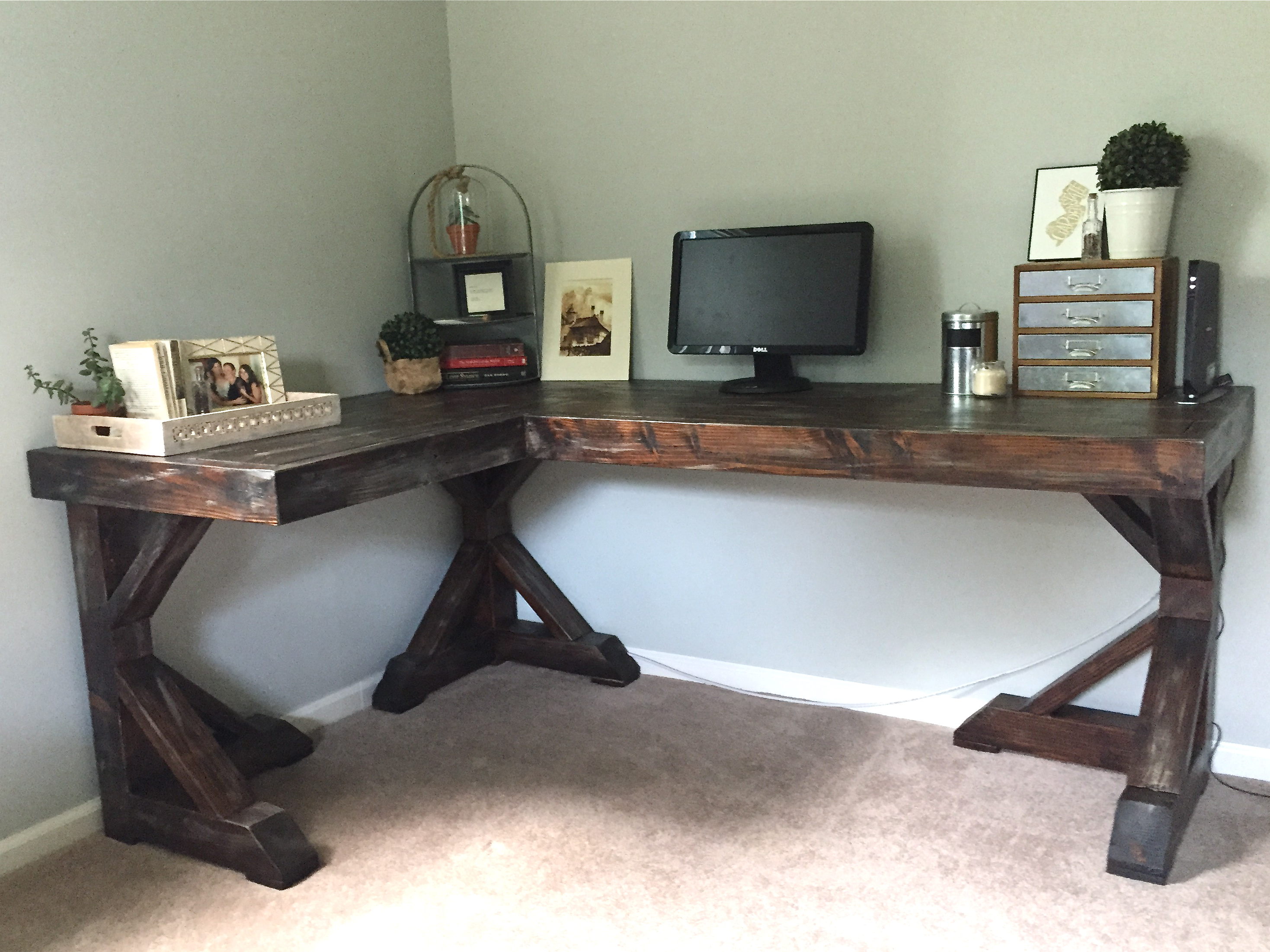 Diy Nail Desk Diy Corner Desk Little Home Happiness