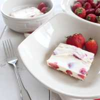 Frozen Strawberry Cheesecake Bars