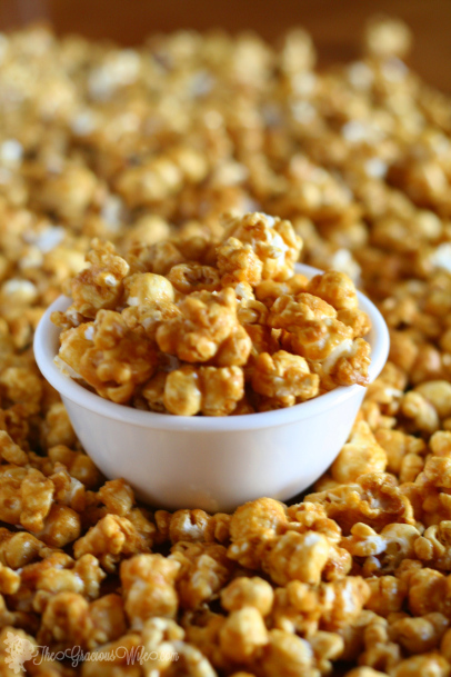 Homemade Caramel Corn by The Gracious Wife  |  Off the Hook Monday