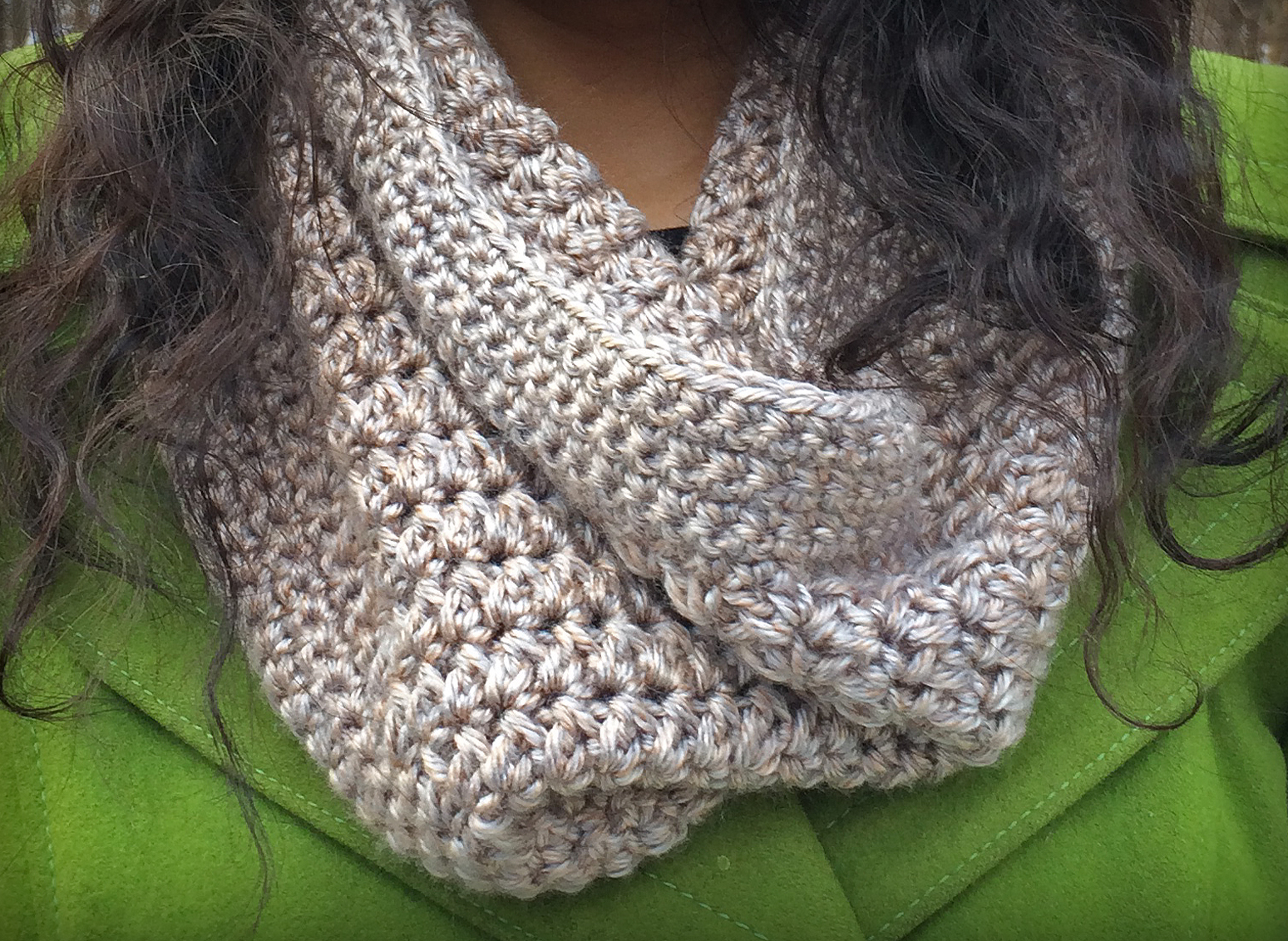 Sandy Cowl Crochet Pattern  |  Free Pattern by Little Monkeys Crochet