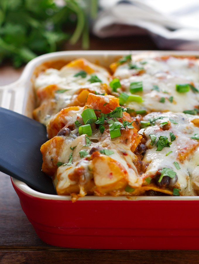 Butternut-Squash-and-Black-Bean-Enchilada-Casserole-2