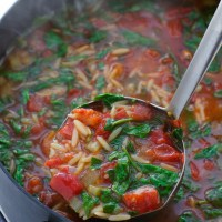 Italian-Roasted-Garlic-Spinach-Tomato-Soup-3