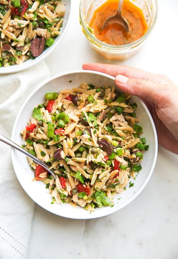 Zingy-Mediterranean-Tuna-Orzo-Summer-Salad-4