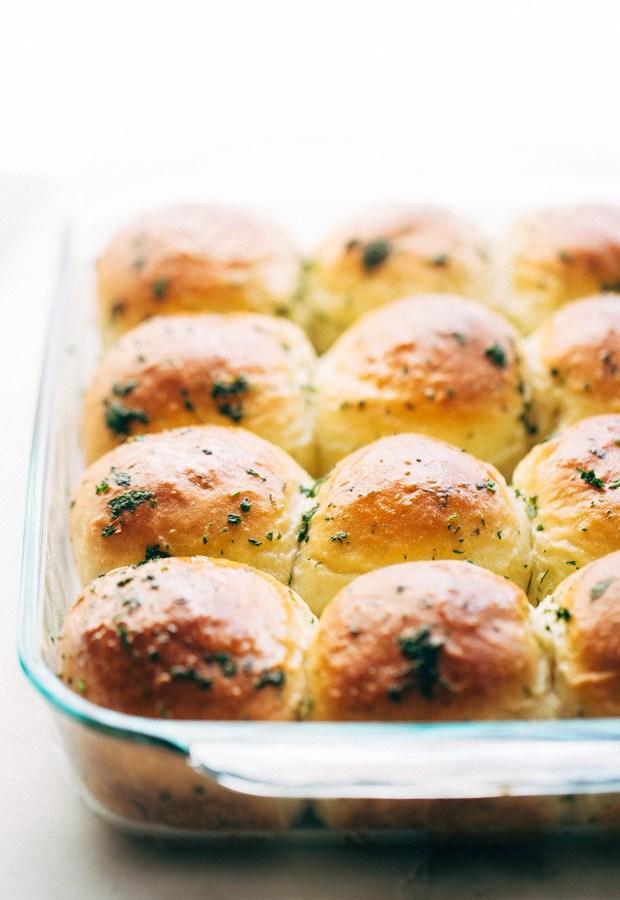 one-hour-garlic-herb-dinner-rolls-8