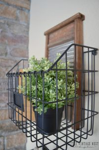 Farmhouse Style: Decorating with Wire Baskets - Little ...