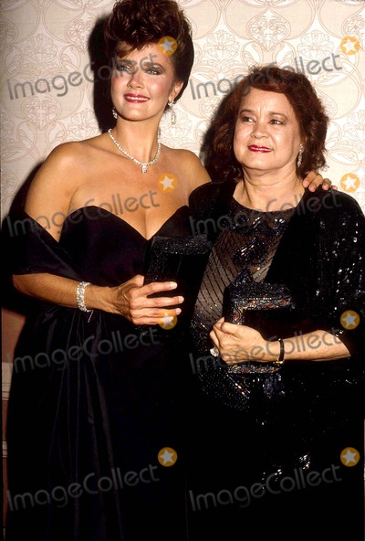 Live Car Wallpapers For Iphone 7 Photos And Pictures Lynda Carter With Her Mother Juana