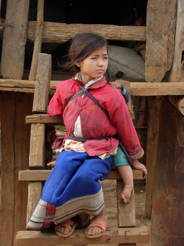 Trip Vietnam Blog Young Girl Laos During A Recent Trip To Laos I Was Very