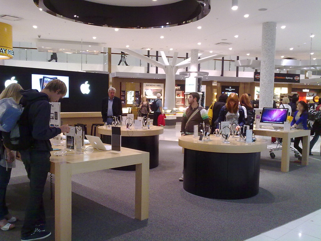 Sydney Airport Shops Apple Store At Sydney Airport Esben Theis Jensen Flickr