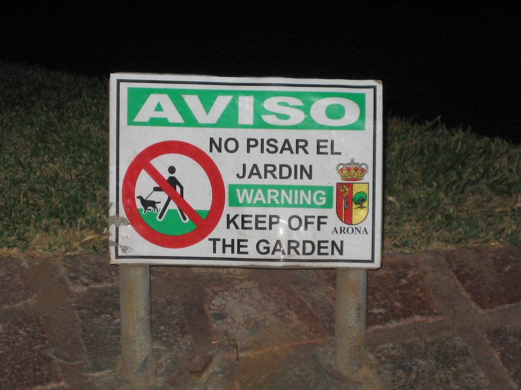 But Jardin No Pisar El Jardin Pointless But I Found This Funny