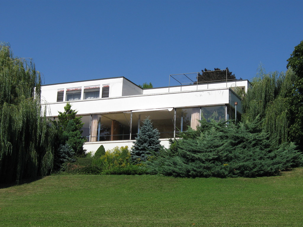 Villa Tugendhat The Villa Tugendhat From The Garden Mies Great House In B Flickr