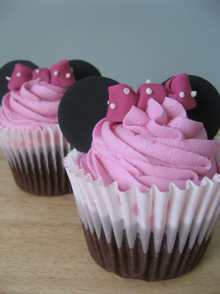 Muffins Kinder Krümelmonster Minnie Mouse Cupcakes Dark Chocolate Cake With Pink Vanill Flickr