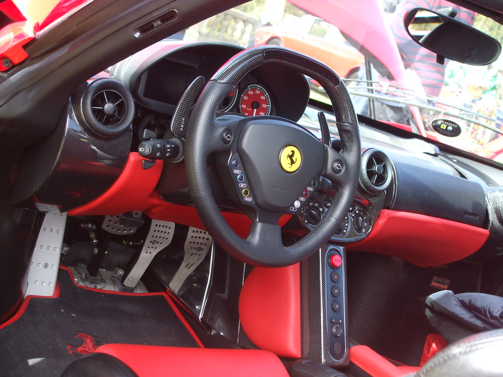Enzo Interieur Ferrari Enzo Interior Had The Pleasure Of Taking A Seat Be Flickr