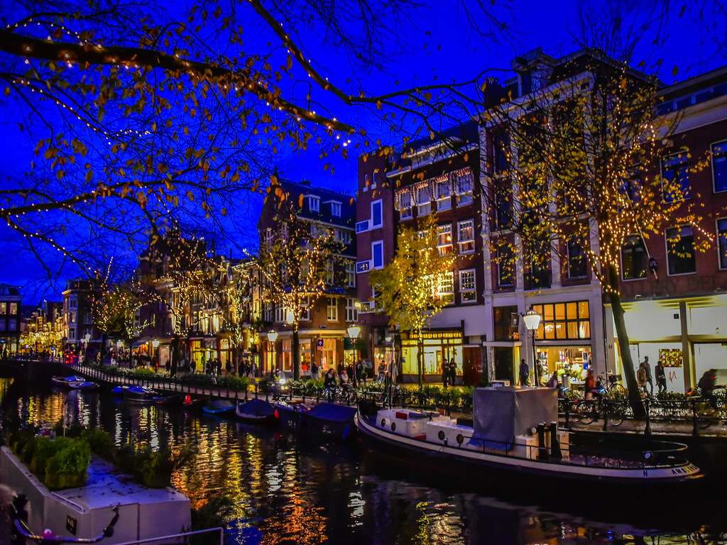 Spiegel Amsterdam Lights Along The Spiegel Canal At Night Amsterdam Netherla Flickr
