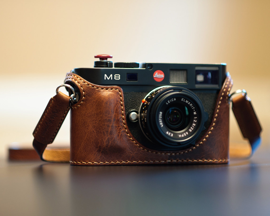 Arte Di Mano Leica M10 Case M8 And Arte Di Mano Half Case My New Case And Strap Arrive Flickr