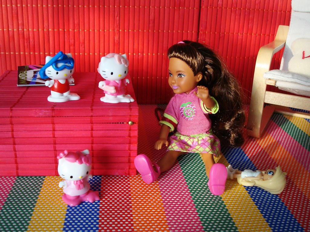 Hello Kitty Sessel And Hello Kitty Figures Deejay Bafaroy Flickr