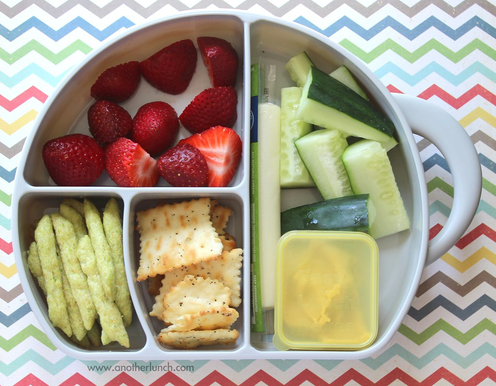 Lunch In A Box Preschool Lunch In A Boon Trunk Box Berries Crackers C Flickr