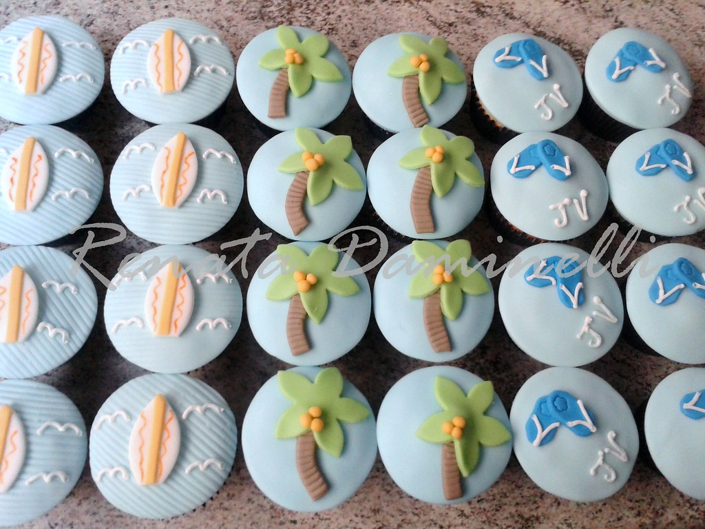 Decorados Cupcakes Decorados Tema Praia Renata Daminelli Flickr