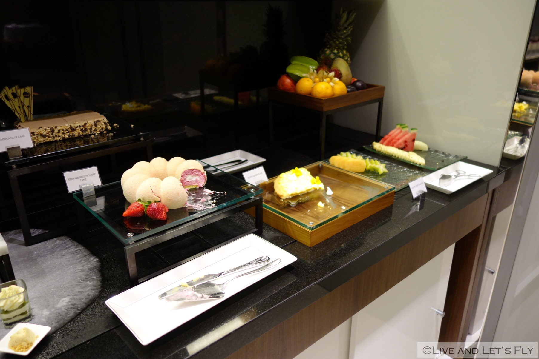 Buffet Salon Fly Review Etihad First Class Lounge And Spa Abu Dhabi Live