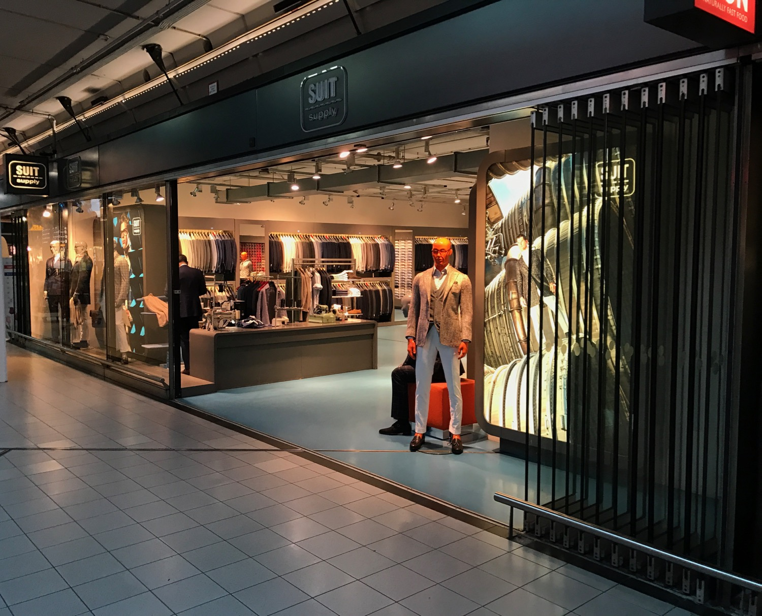 Why I Buy My Clothes In Europe Now Live And Let S Fly - I Store Amsterdam