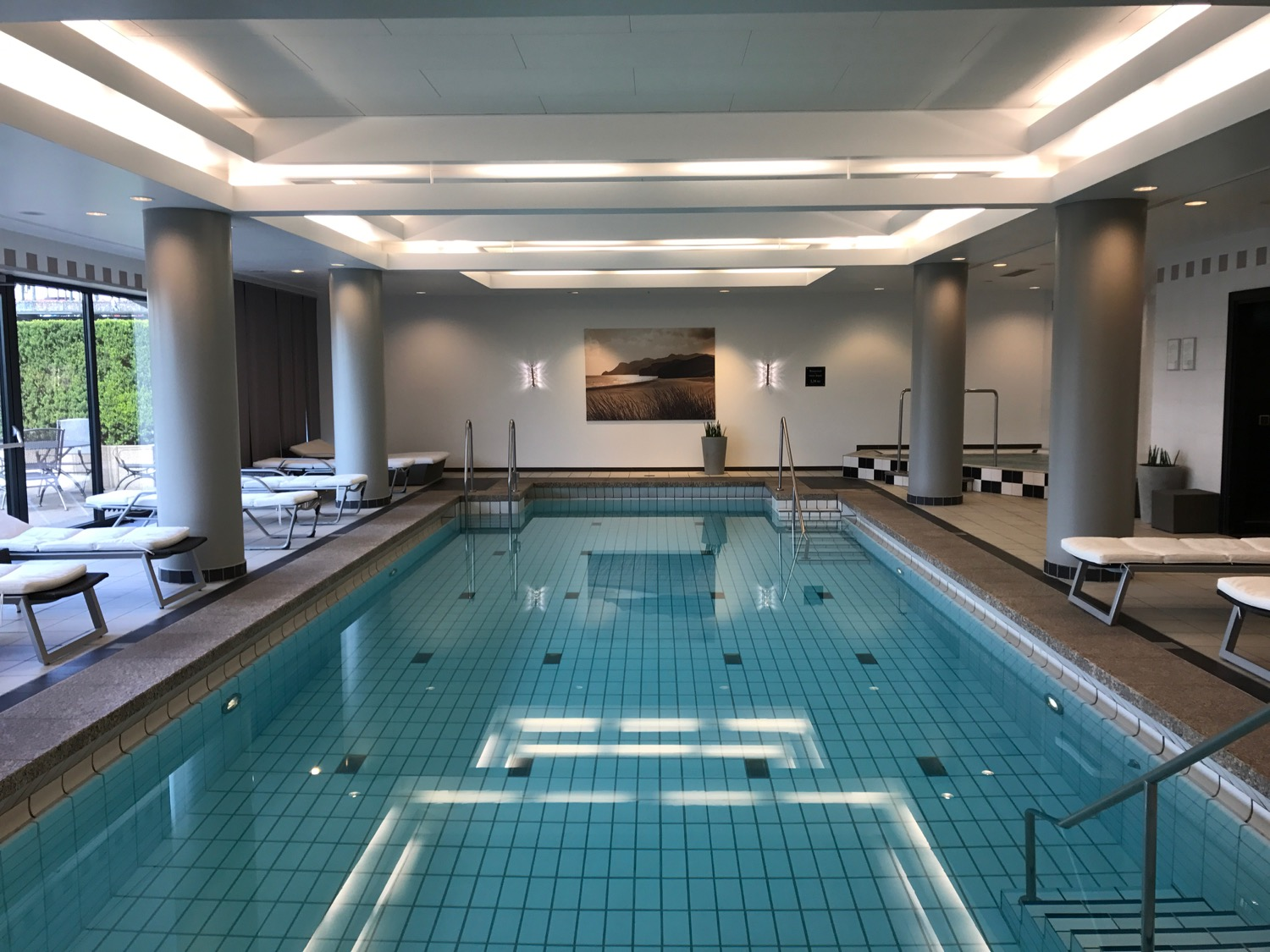 Cash Pool Frankfurt Hauptbahnhof Review Hyatt Regency Cologne Live And Let S Fly