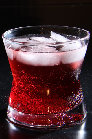 Easy christmas mixed drink dan330 for Sparkling water mixed drinks