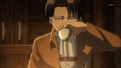 【進撃の巨人】リヴァイ兵長の飲み方wwwwwwwwwwwwww