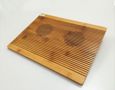 竹集成材のオシャレなパソコン冷却台 959円+税