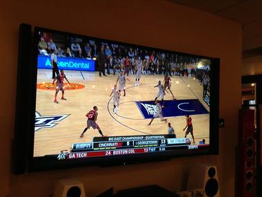 家電ショップで4Kテレビ見てきたけど、高画質すぎワロタw 4Kに慣れたら、普通のテレビには戻れないわ