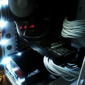 マジで小さくてコンパクトなノートPCのほうが高性能とか思ってる情弱っているんだな