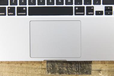 Appleがキーがまったくないけど本物そっくりの打鍵感のある仮想キーボードで特許を申請