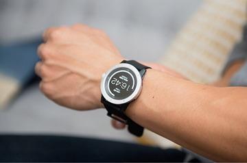 充電不要、人間の「体温」で充電するスマートウォッチ「MATRIX PowerWatch」が登場