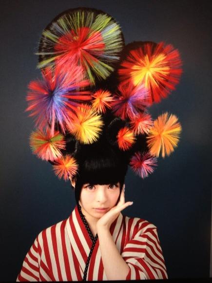【画像】きゃりーぱみゅぱみゅの髪型が斬新過ぎる件wwwwwwwww
