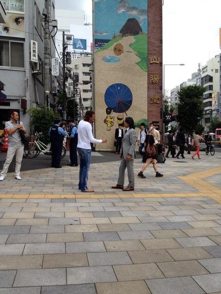 【画像】 北澤とラモスがマジ喧嘩 → 警察官が止めに入るwwwwwww
