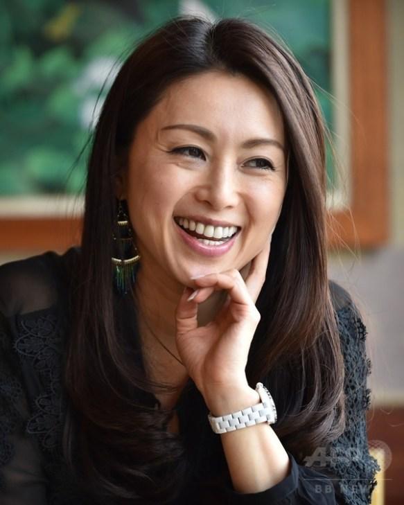 女優で歌手の酒井法子(45)の現在の姿