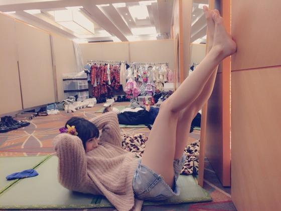 矢倉楓子、太もも露わに謎のエロ体操をしてくるさかい【画像あり】