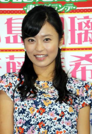 小島瑠璃子(21)と佐藤美希(21)の2015年カレンダーがエロ良さそうwこじるり「えー!デカい!」佐藤美希「Fカップ」と告白www【画像あり】