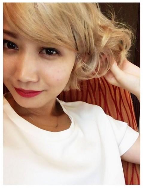 セカオワ・Saori、金髪で赤い口紅を塗った結果「和製モンロー」と反響[画像あり]