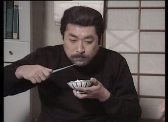 食事のマナーでクチャラーと寄せ箸以外に許せないものってある?