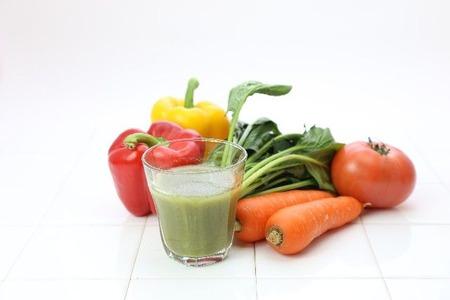 野菜ジュースを毎日飲んで野菜食った気になってる君! あれ栄養素死んでるから何の意味ないんだゾ